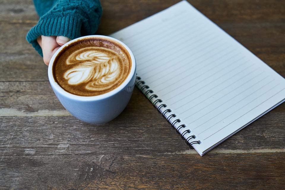 freewriting staren naar een leg vel papier